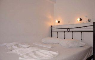 Studio 3 bed 1